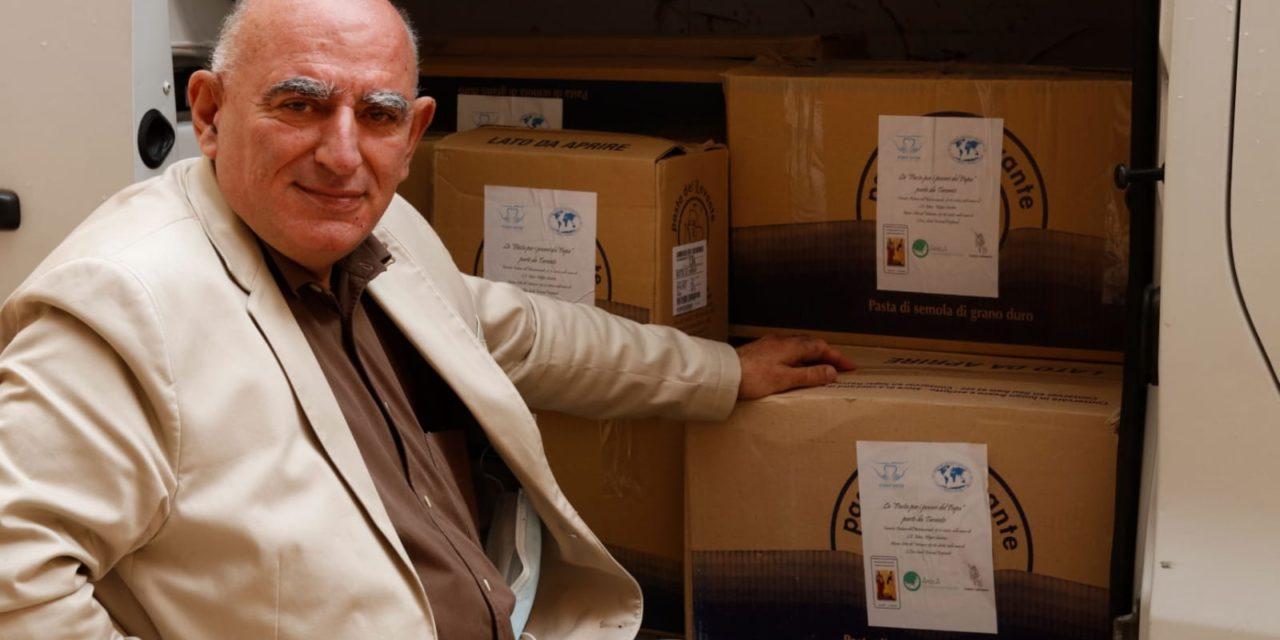 Solidarietà ai tempi del Covid. Donate due tonnellate e mezza di pasta per i poveri di Taranto e Roma