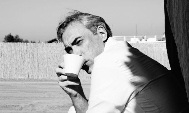 cafè créme avant d'entrer di marco cucurnia vince il premio del miglior esperimento per il New York Nil Gallery