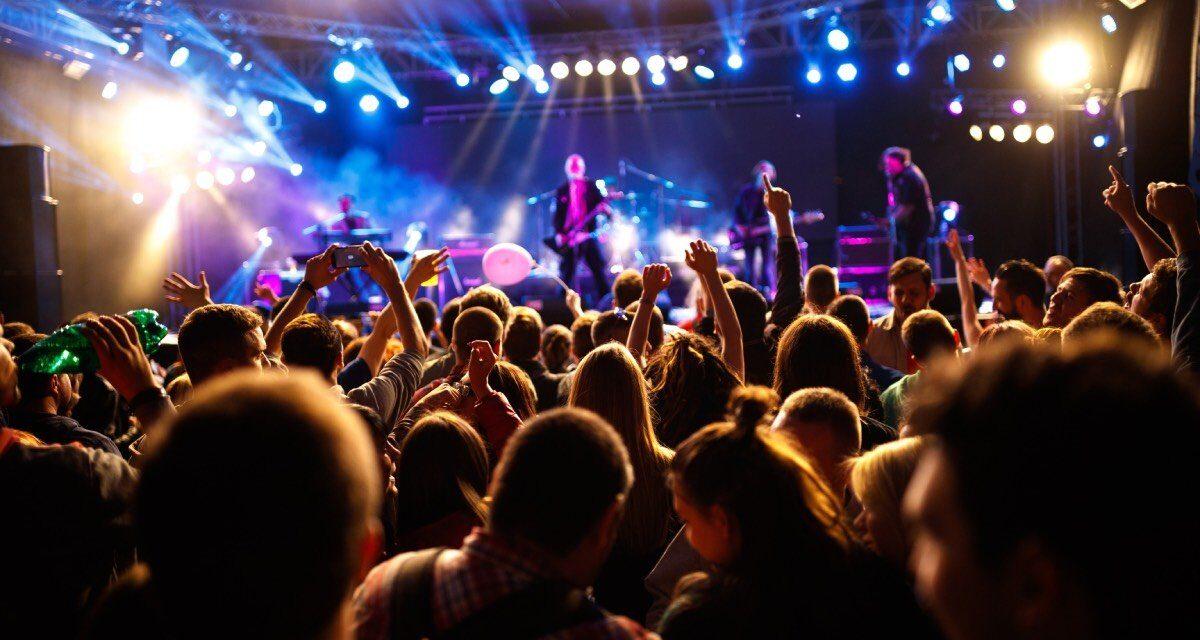 In Olanda oltre mille persone in discoteca per un esperimento Covid free