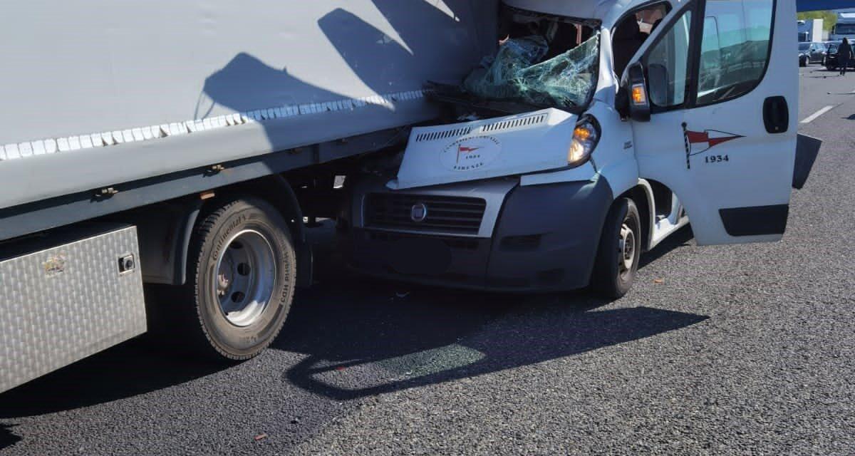 MIRACOLI. Gravissimo incidente a Bologna che ha visto tutti illesi nell'impatto