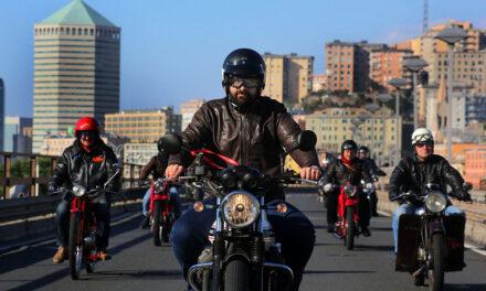 Riparte in moto Guzzi il viaggio alla scoperta dei Palazzi dei Rolli di Genova
