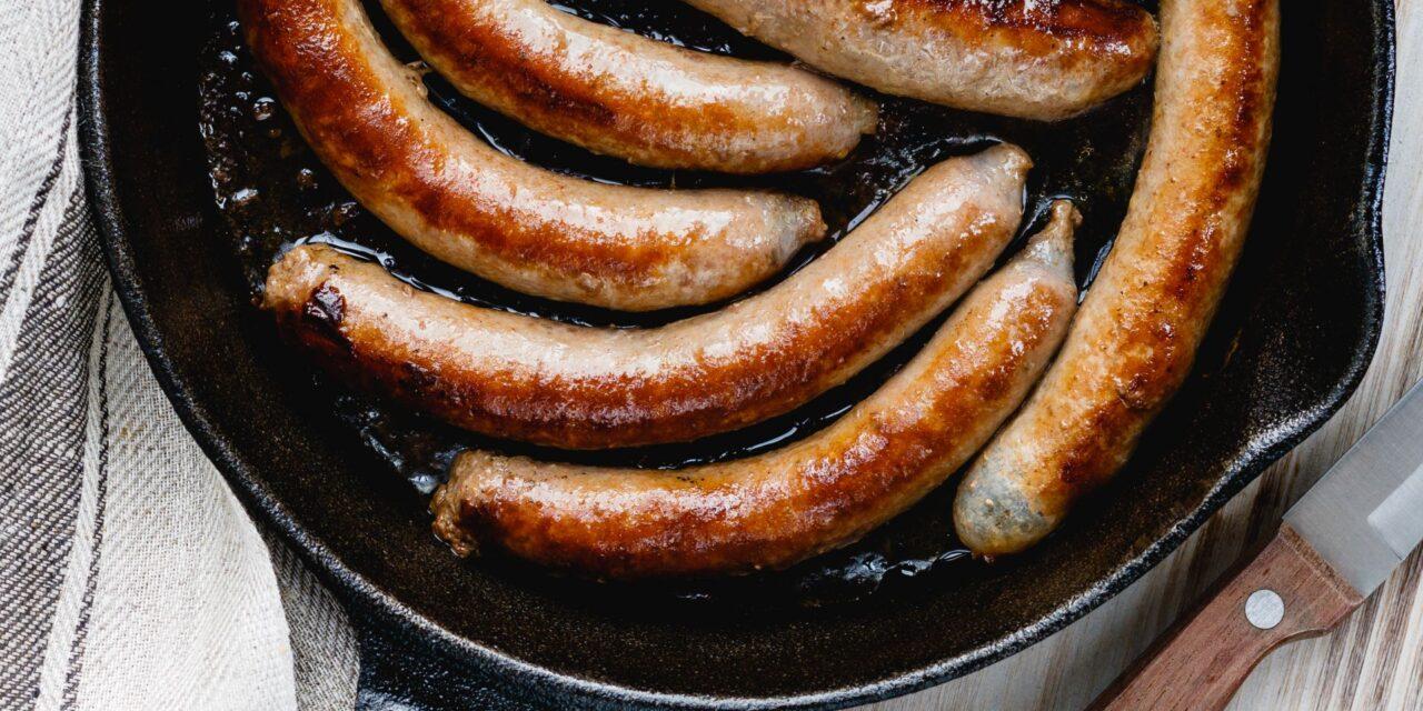 La salsiccia bratwurst, un'icona della cucina tedesca