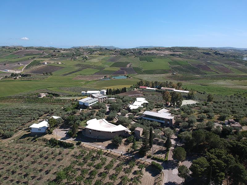"""""""Villaggio degli Ulivi"""". Una vacanza alternativa a Riesi nel cuore del Mediterraneo"""