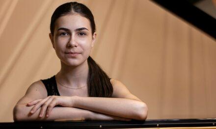Oggi al Teatro Petruzzelli Ton Koopman dirige la pianista prodigio Alexandra Dovgan