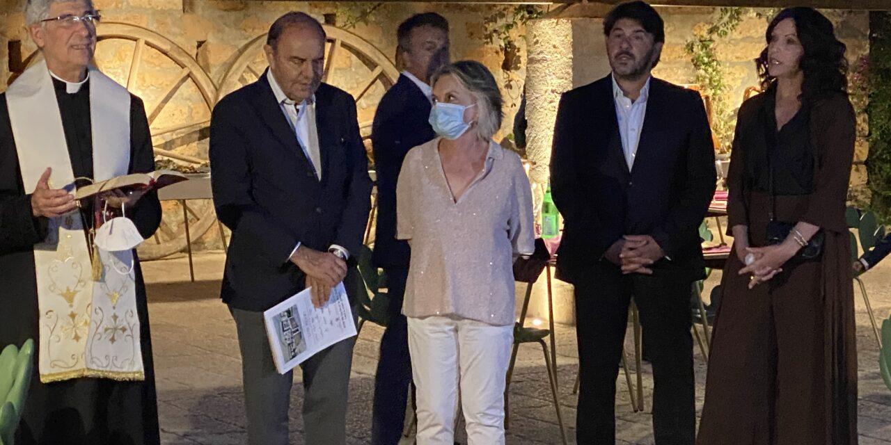 Eleganza e ricerca gli ingredienti di Masseria Li Reni di Bruno Vespa