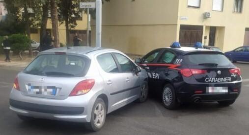 Ad Andria 2 Carabinieri inseguono auto sospetta ma vengono colpiti da auto in transito
